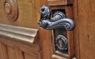 Выбор врезного замка для металлической двери