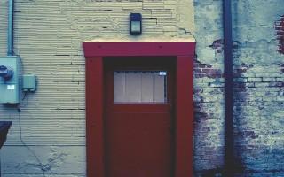 Регулировка доводчика двери