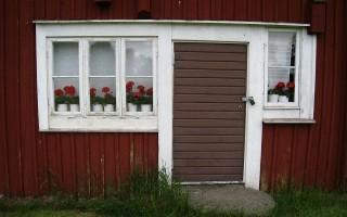 Какие бывают наличники на двери