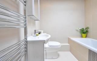Раздвижные двери в ванную и туалет